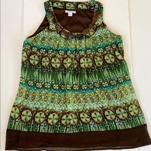Dressbarn Sleeveless Top w attached Wood Necklace